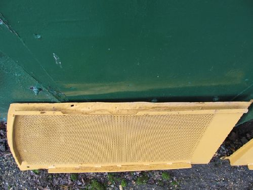 Caterpillar 931 Engine Side Guards Picture 3