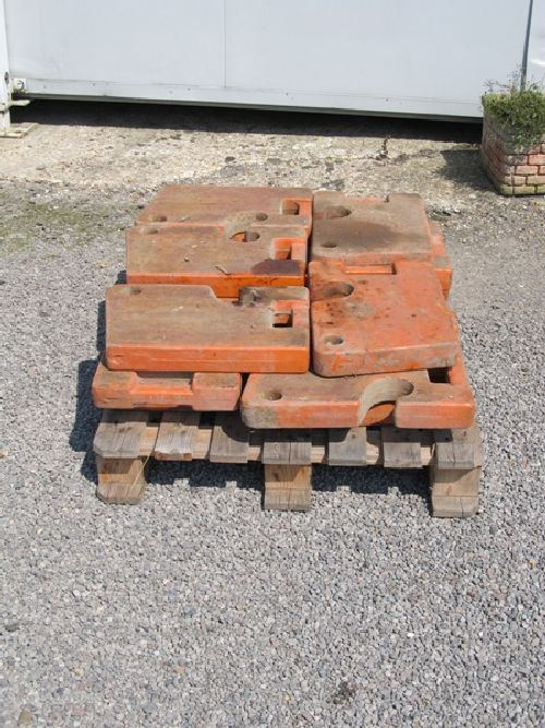 Fiat Crawler Front End Weights Picture 2